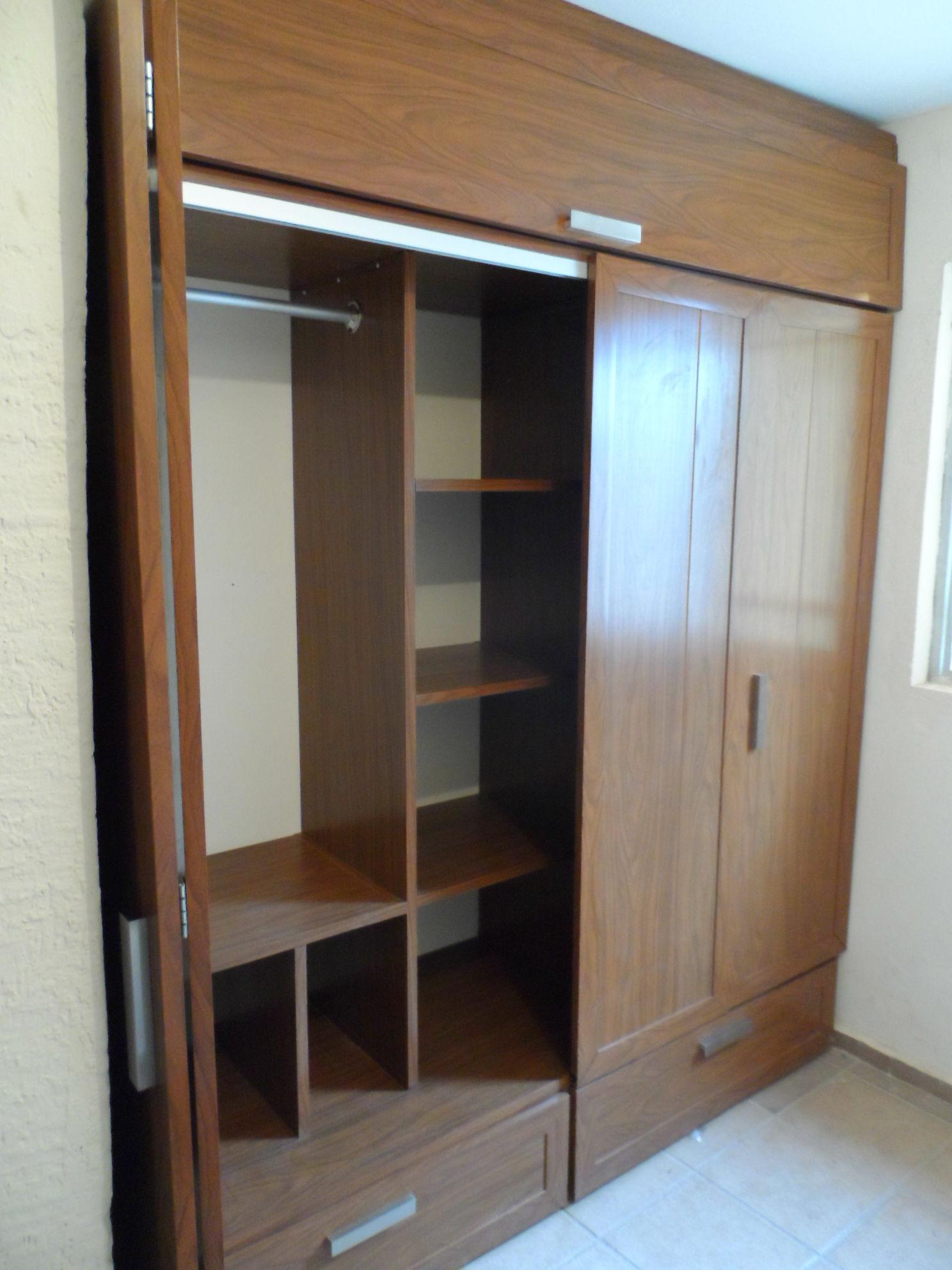 Closets de pvc con puertas plegables for Zapateras modernas para closet